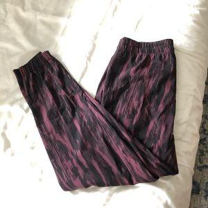 Lululemon pants. Similar style to on the fly